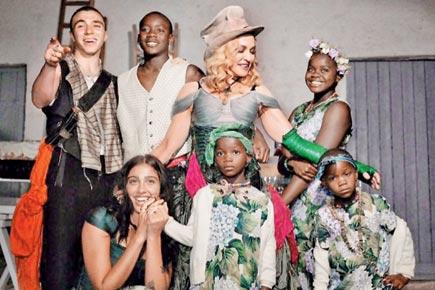 madonna-kids-family-photo